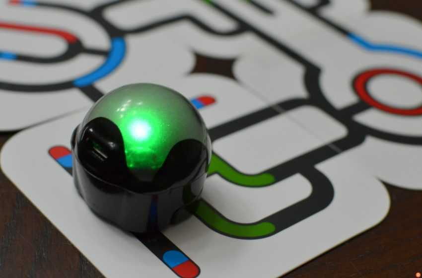 Ozobot: A Robot that Follows Our Guidelines to Move
