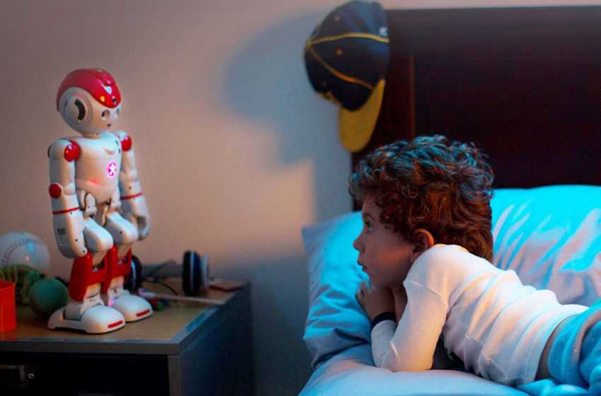"""The Humanoid Robot for the Whole Family """"ALPHA 2″"""